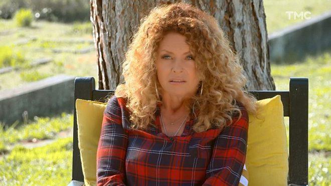 """Manuela (Les Mystères de l'Amour saison 20, épisode 19 """"Faux et usage de faux"""")"""