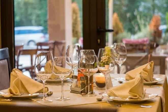 Un restaurant. Image d'illustration.
