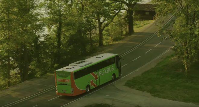 Un car de la compagnie Flixbus.