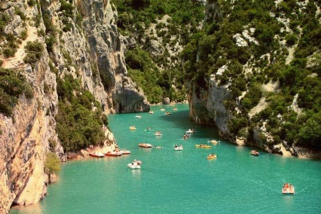 Illustration. Les gorges de l'Ardèche.
