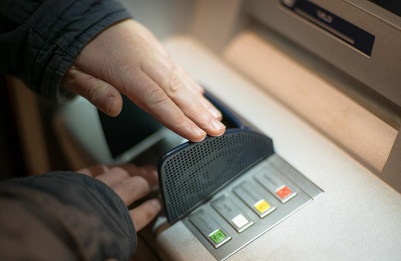 Marseille : un distributeur de billets qui donnait le double des montants demandés