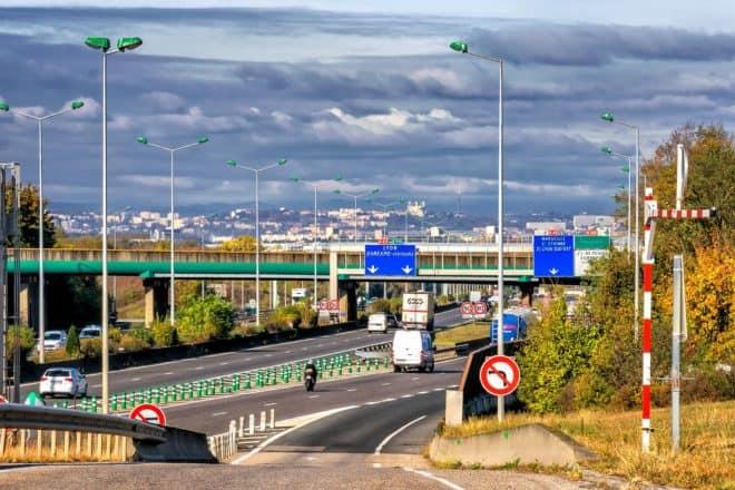 Une autoroute. Image d'illustration.
