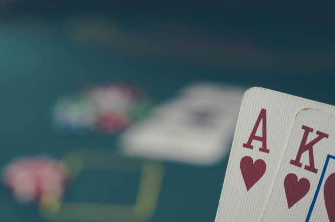 Des cartes de poker.