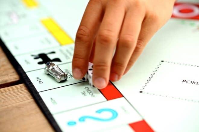 Le jeu de Monopoly.