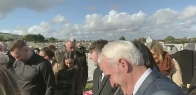 L'enterrement de Shay Bradley en Irlande.