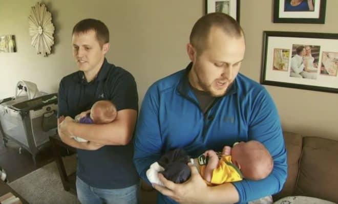 Pat et Paul Young, jumeaux devenus pères le même jour.