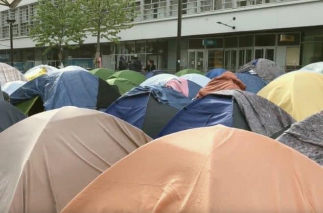 Le camp de migrants Porte d'Aubervilliers, au nord-est de Paris.