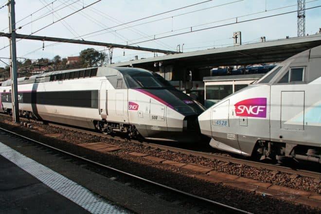 Un TGV en gare.