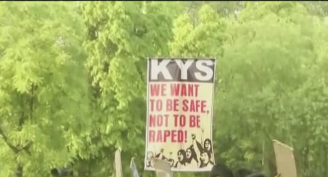 Illustration. Une pancarte brandie lors d'une manifestation contre le viol en Inde.