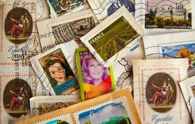 Illustration. Des timbres français.