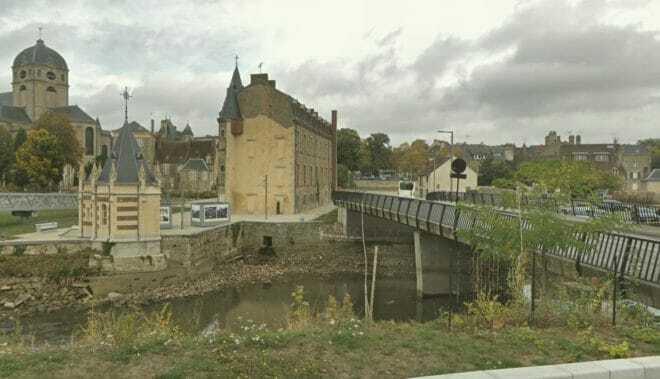 Illustration. La Sarthe à Alençon (Orne)