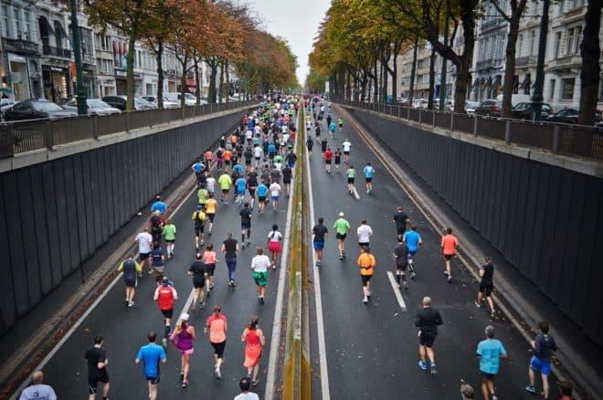 Illustration. Des participants à un marathon.