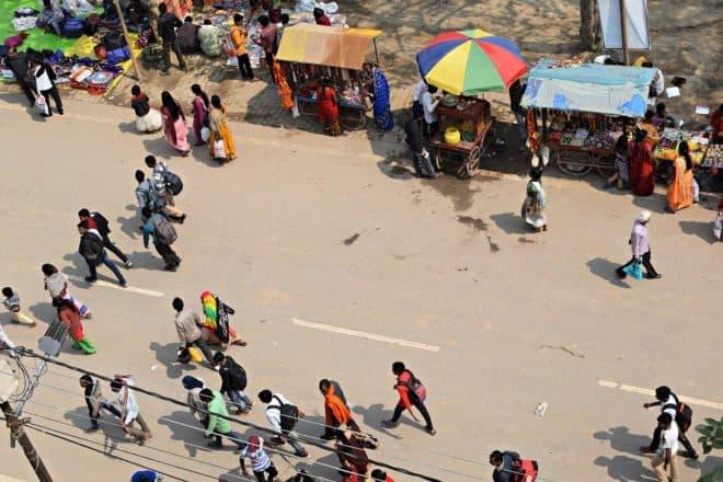 Illustration. Une rue en Inde.