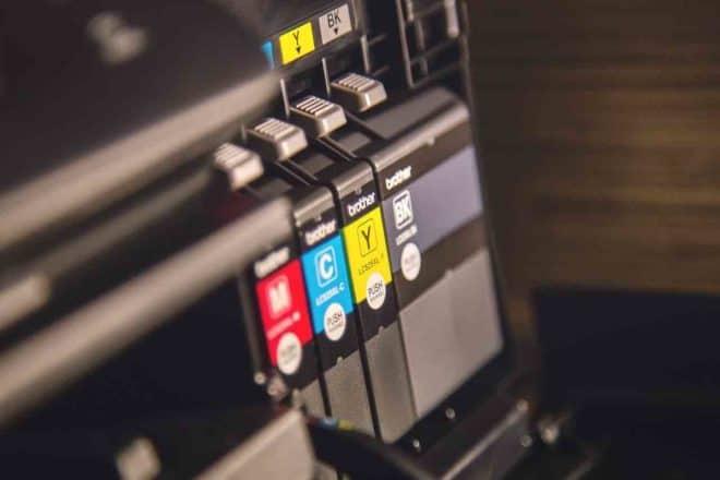 Illustration. Les cartouches d'encre d'une imprimante.