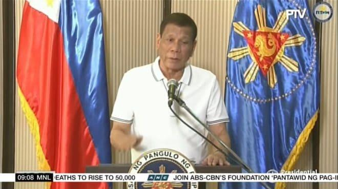 Rodrigo Duterte s'adressant au peuple philippin le 1er avril 2020.