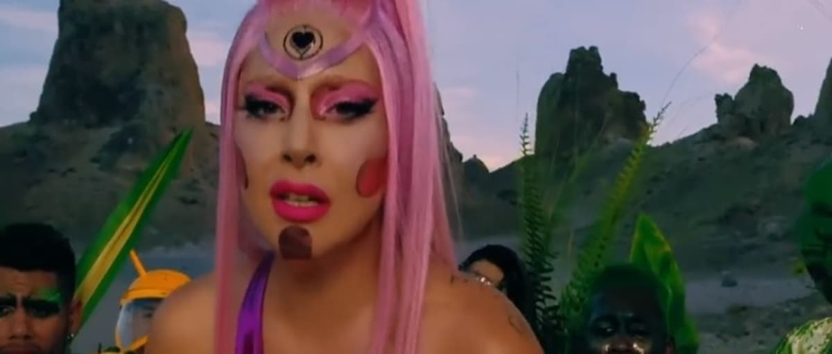 Ariana Grande et Lady Gaga s'unissent sur le single Rain on me