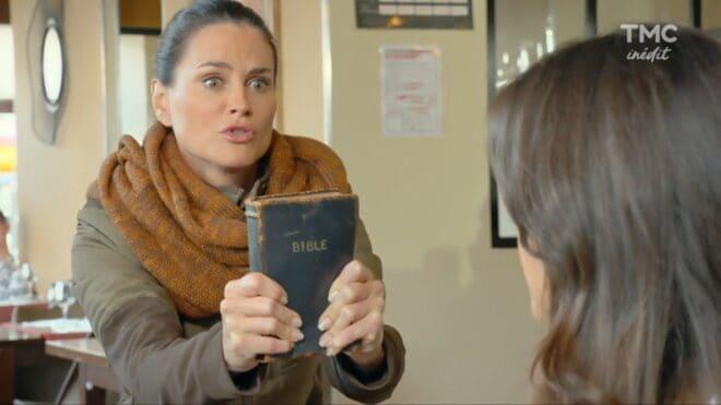 """Ingrid/Émilie (Les Mystères de l'Amour saison 24, épisode 6 """"Trouvailles et retrouvailles"""")."""